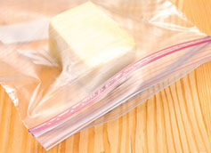 можно ли замораживать сыр в морозилке