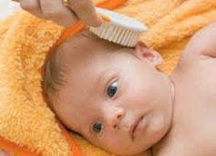 Как убрать корочка на голове у грудничка