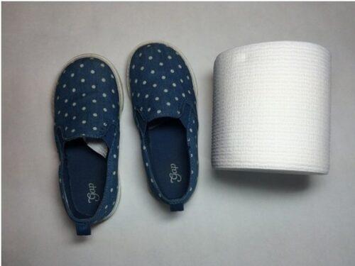 обувь с бумагой в носке
