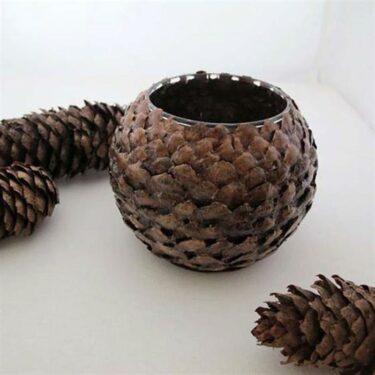 подсвечник из вазы и чешуек