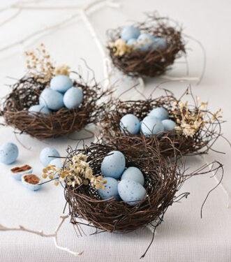гнездышки с перепелинными яйцами